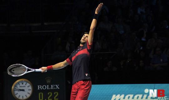 Djokovic ist im Halbfinale, Cilic kämpft sich zurück