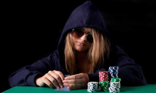 Richtig bluffen  –  Die Kunst der Täuschung im Poker