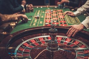 Roulette table players